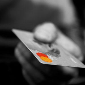 Tarjetas de crédito y tarjetas de débito: ¿Cuál es la diferencia?